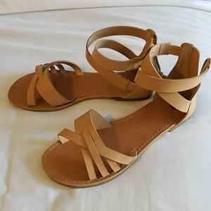 Leather Gap sandals size 7, like new
